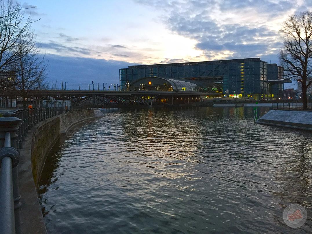 Mammutmarsch 3 - Berlin Hauptbahnhof