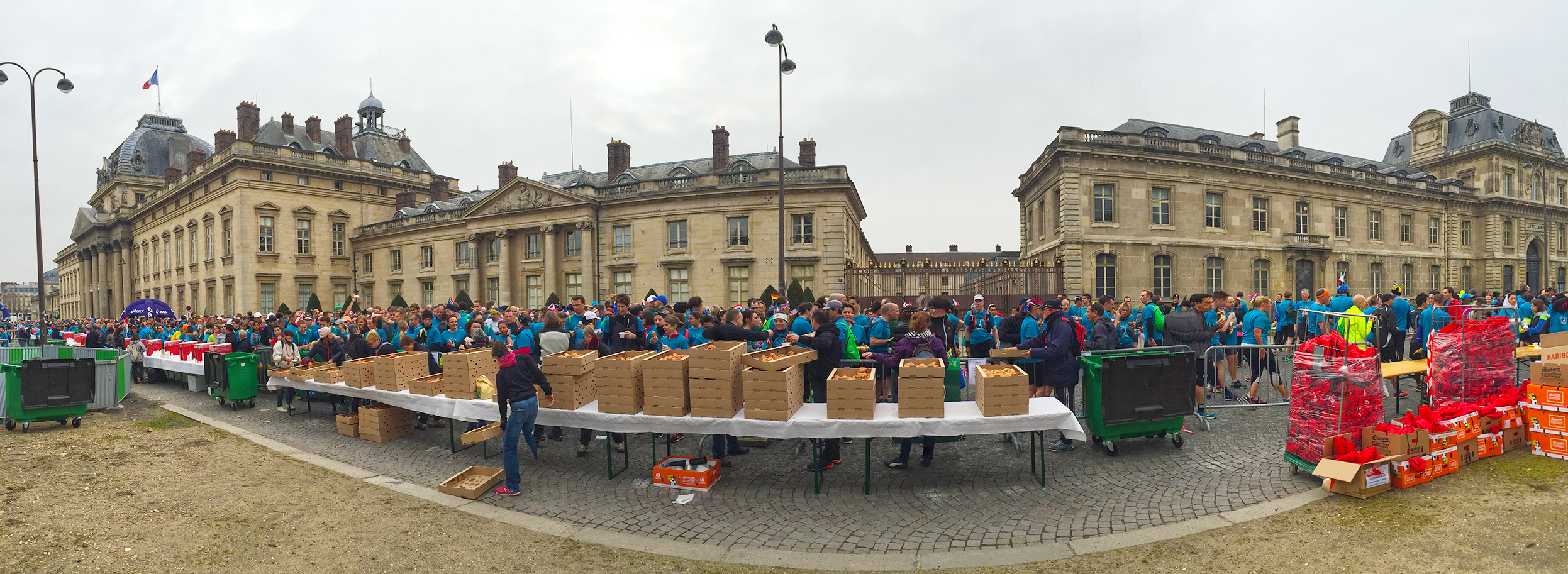Paris Marathon 2016 Breakfast Run Queue