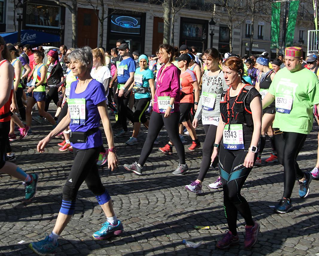 Paris Marathon 2016 Carola Keßler Start 2