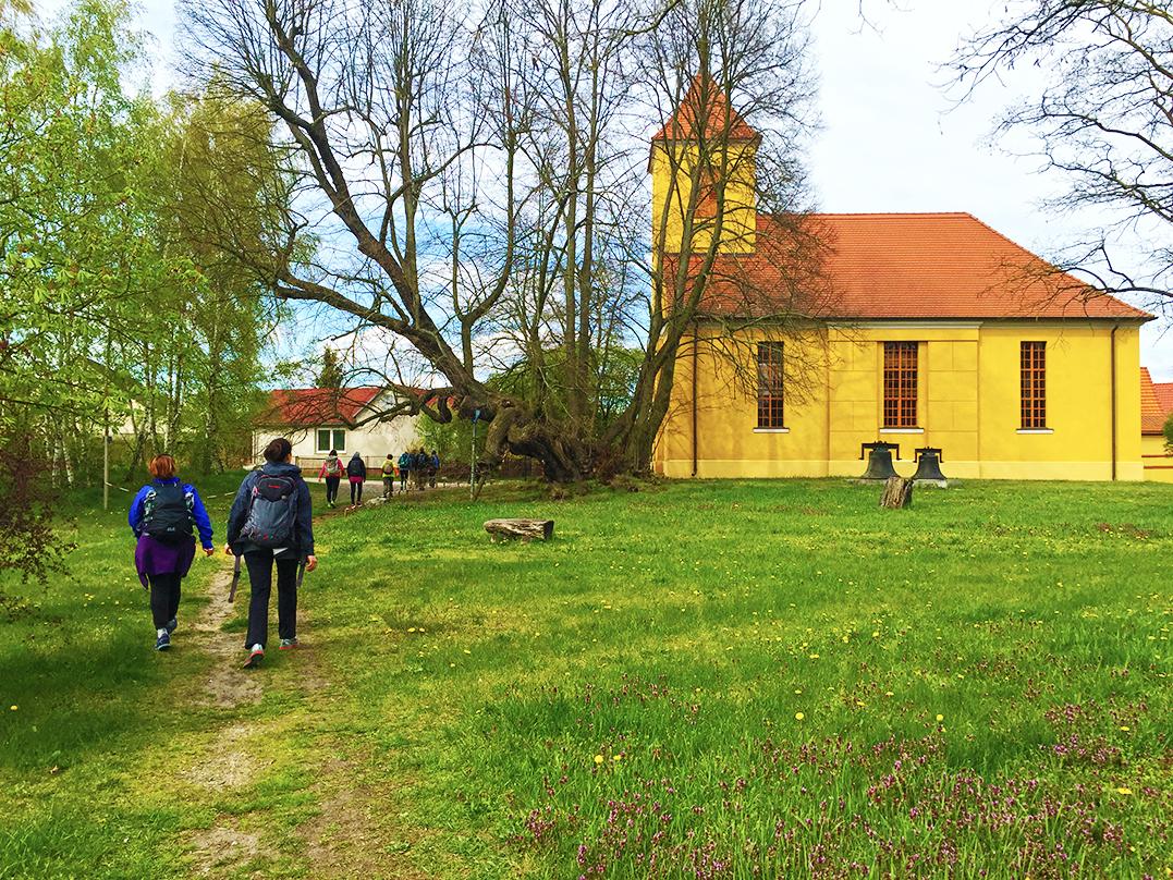 Mammutmarschtraining 6 Wernsdorf Kirche
