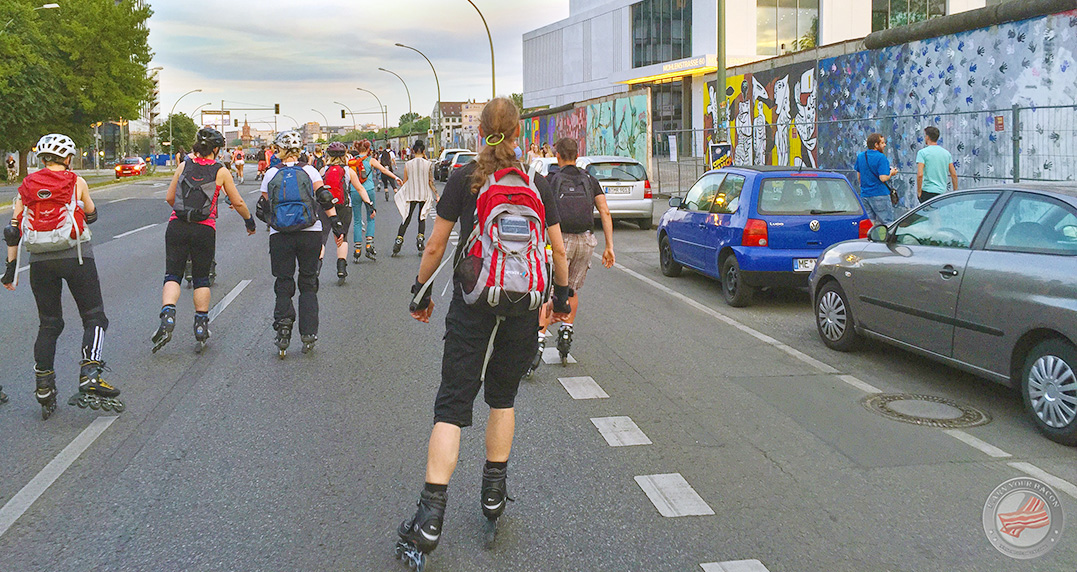 skate by night Saisonauftakt 2016 East Side Gallery
