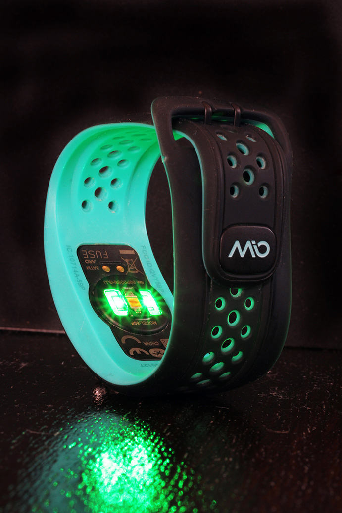 MioFUSE LEDS green